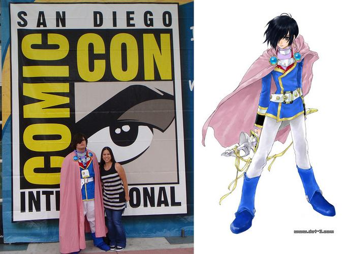 T and me standing in front of the Comic Con sign.